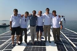 Les équipes d'Energy Observer et du CEA-LITEN à bord d'Energy Observer