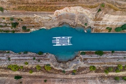 Energy Observer in the Corinth Canal