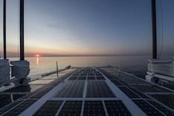 Energy Observer sur la mer