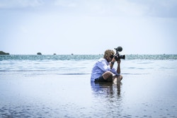 Fitzgéral Jégo taking a picture from the beach