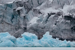 Picture of ice melting from the Svalbard